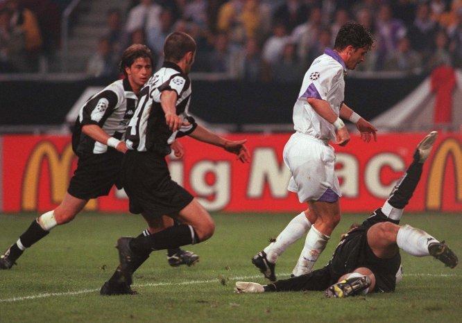 El yugoslavo Pedrag Mijatovic fue el autor del único gol de aquel partido en Holanda, tanto con el que el Real Madrid venció a la Juventus y se convirtió en monarca europeo por octava ocasión en su historia
