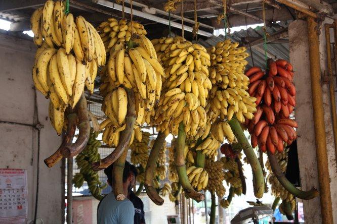 Come 1/2 plátano