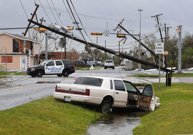 Tras haber alcanzado la categoría 4 y vientos de más de 200 km/h, se degradó a categoría 1 y más tarde a tormenta tropical