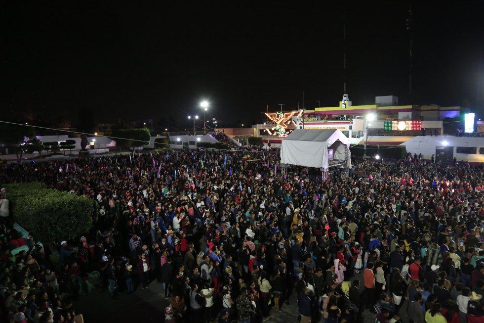 Gran fiesta del grito en Neza