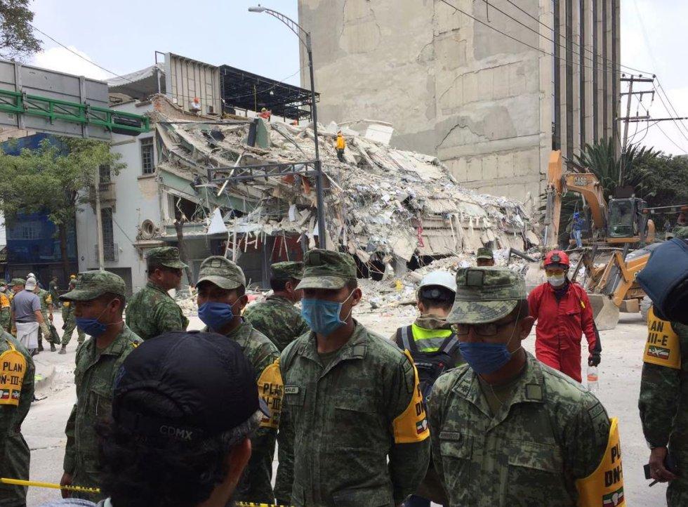 Edificio ubicado en la calle de Medellín