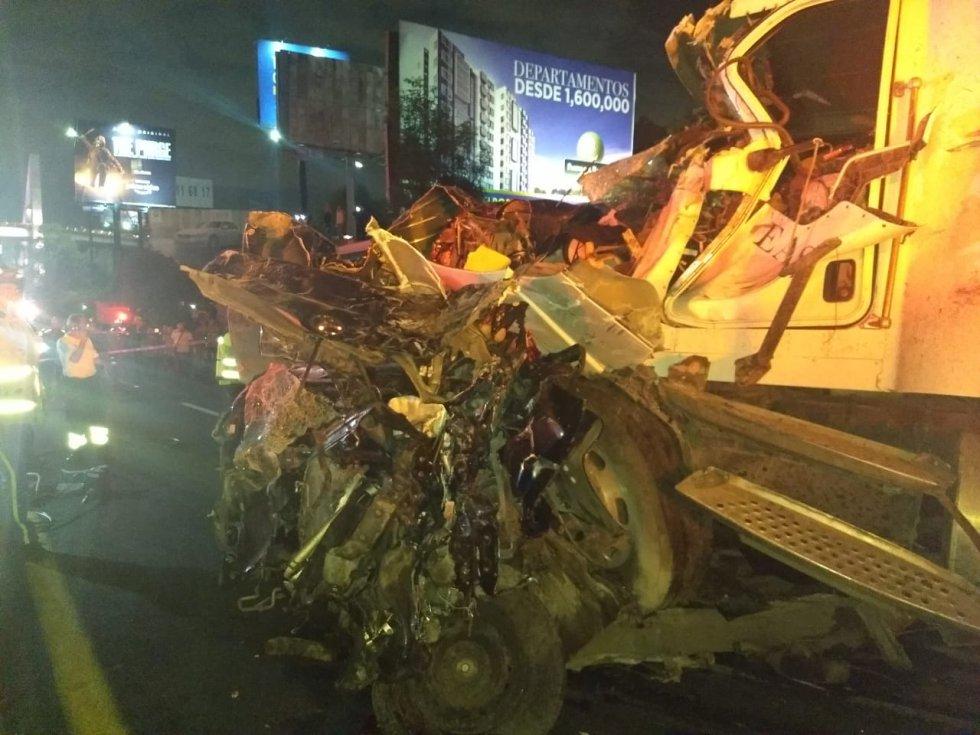 Se confirma la muerte de al menos siete personas por carambola en la Autopista México-Toluca de acuerdo con el jefe de la Policía Capitalina, Raymundo Collins
