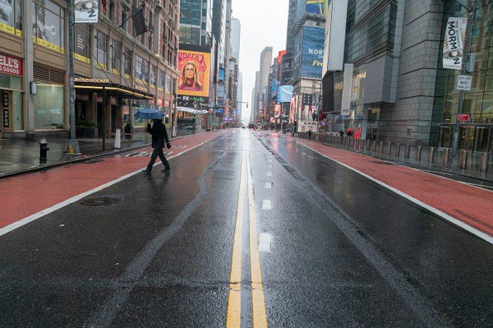 Prácticamente vacía la calle 42 en Manhattan el primer día de cuarentena NUEVA YORK, ESTADOS UNIDOS