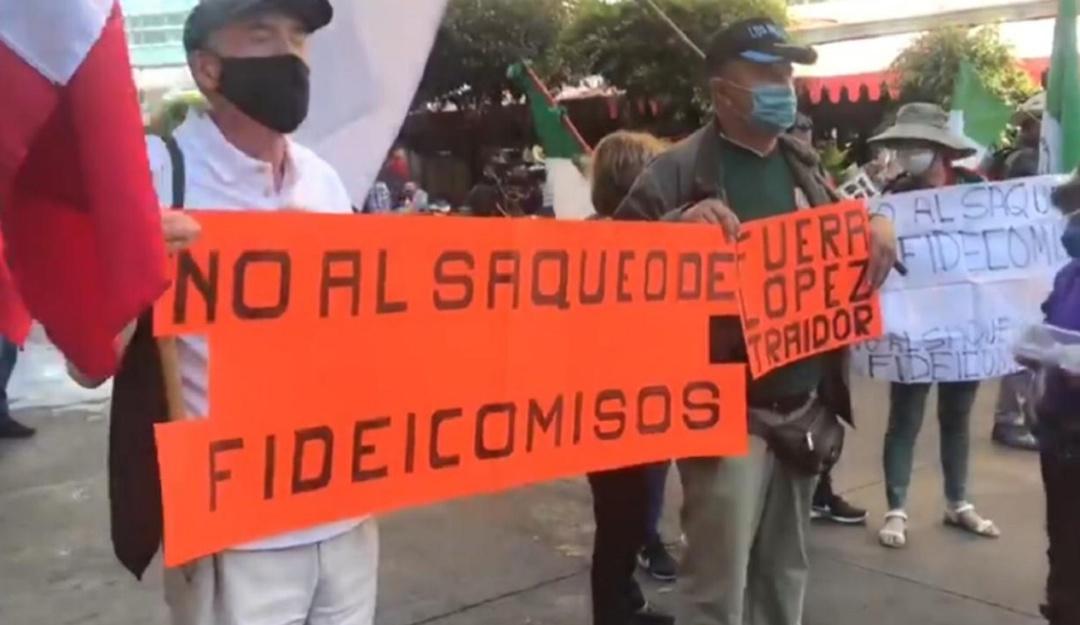 Senado da entrada al análisis de fideicomisos en medio de protestas |  Nacional | W Radio Mexico