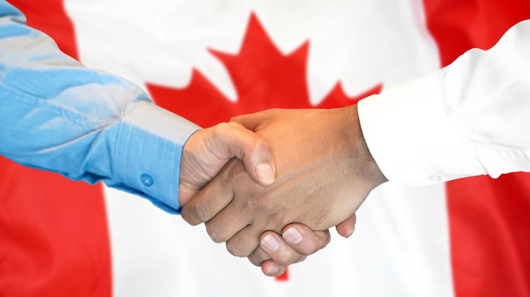 ¿Buscas trabajo? En Canadá puedes trabajar por 109 mil pesos