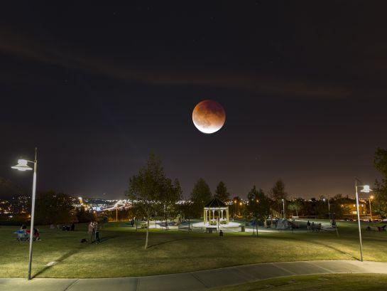 """También conocido como """"Luna de Flores"""", podrá ser visible pocas horas antes del amanecer."""