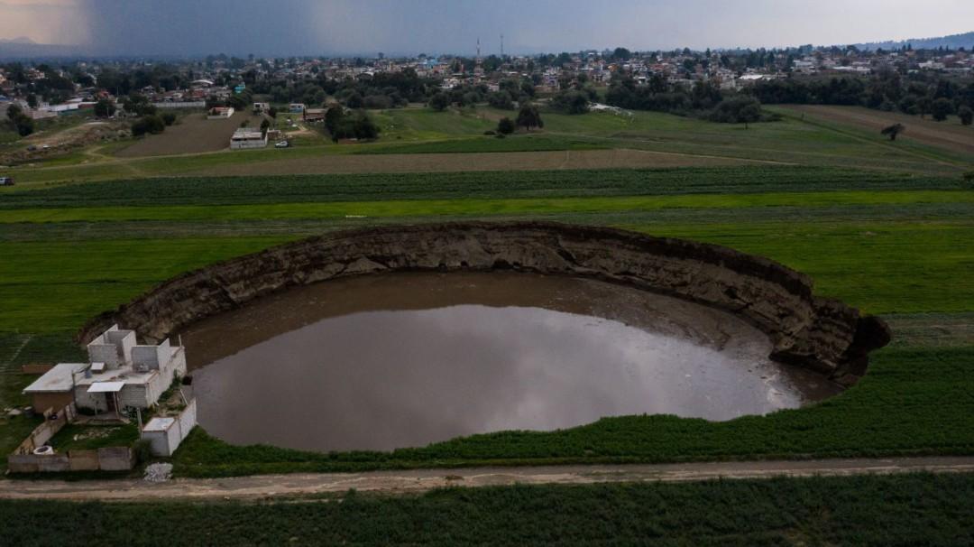 ¿Están relacionados el socavón en Puebla y el Popocatépetl?