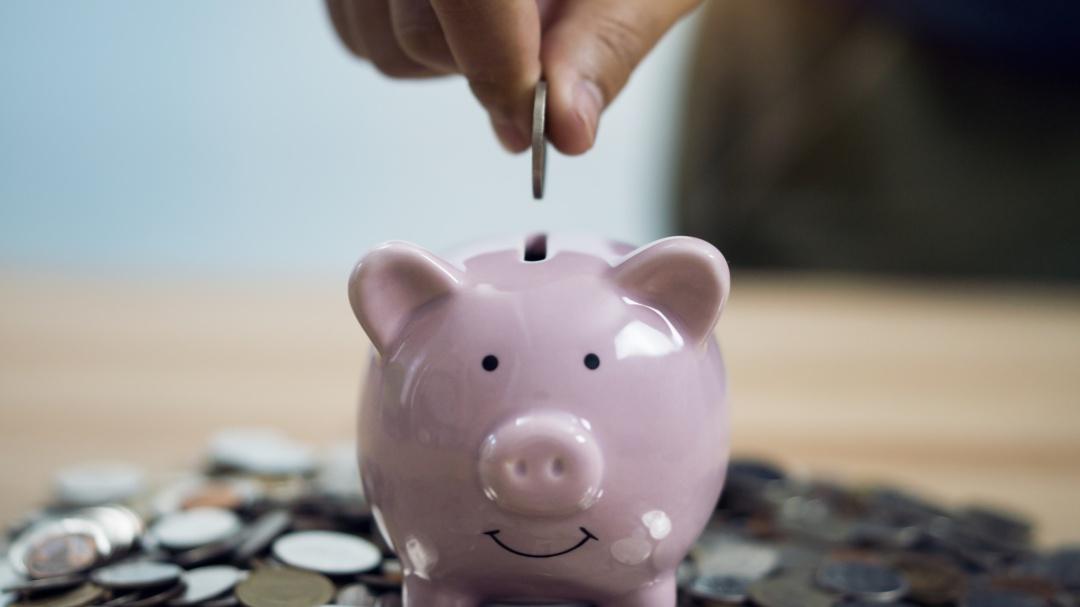 Conoce el método para ahorrar hasta 156 mil pesos con monedas de 10 pesos